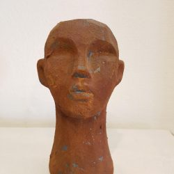 Skulptur huvud brun