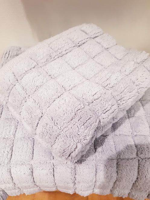 Matta badrum ljus grå